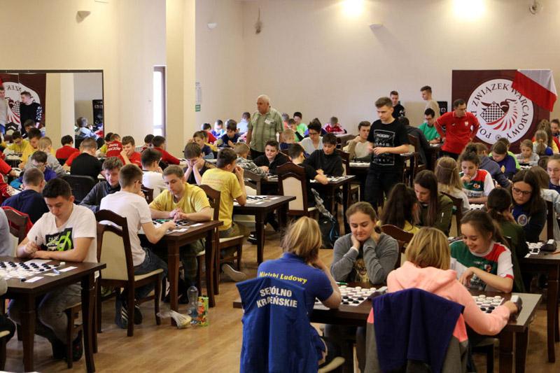 34 medale zdobyli zawodnicy zklubów naszego Zrzeszenia na 35.Młodzieżowych Mistrzostwach Polski wwarcabach 100-polowych.