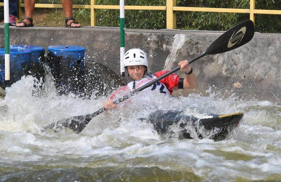 5 medali zdobyli zawodnicy LKK Drzewica na MP juniorów wkajakarstwie slalomowym