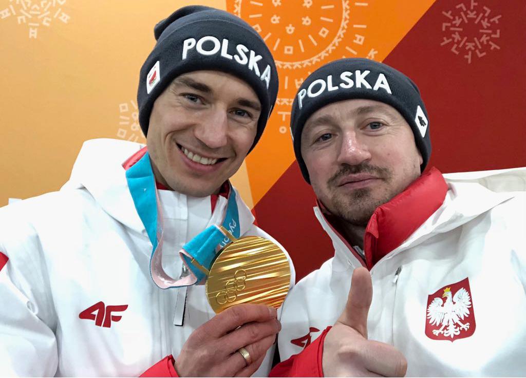 Kamil Stoch po raz trzeci mistrzem olimpijskim, drużyna zhistorycznym brązowym medalem