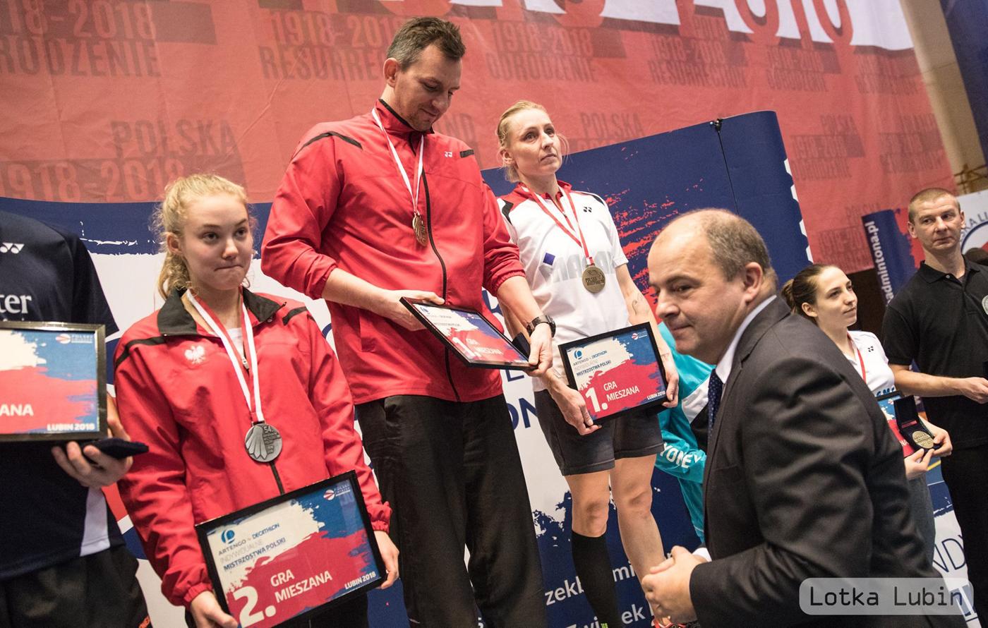 10 medali na Indywidualnych Mistrzostwach Polski wbadmintonie elity zdobyli zawodnicy znaszych klubów