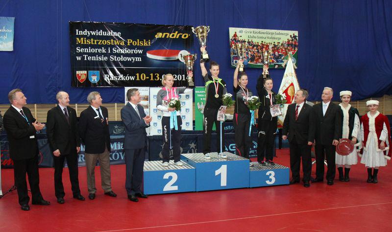 Klaudia Kusińska iPaulina Krzysiek medalistkami Indywidualnych Mistrzostw Polski seniorów wtenisie stołowym