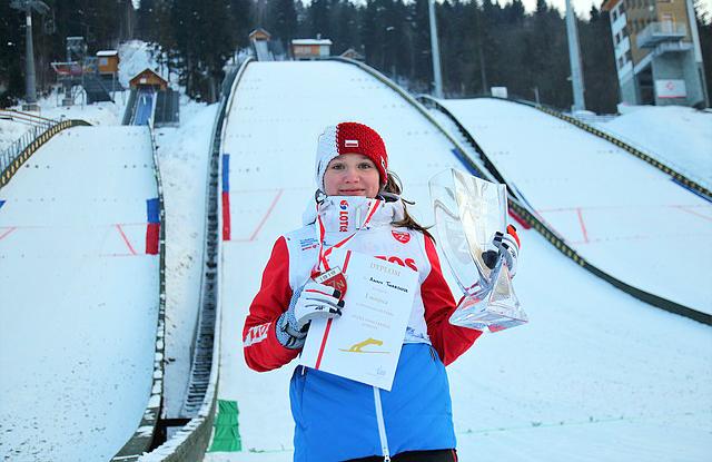 Złoto Anna Twardosz, brąz Kingi Rajdy wMistrzostwach Polski Kobiet wskokach narciarskich