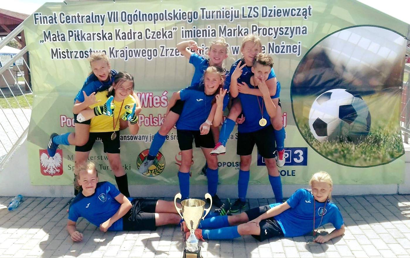 """KSP Kielce wygrało VII Ogólnopolski Turnieju LZS Dziewcząt """"Mała Piłkarska Kadra Czeka"""" im.Marka Procyszyna"""