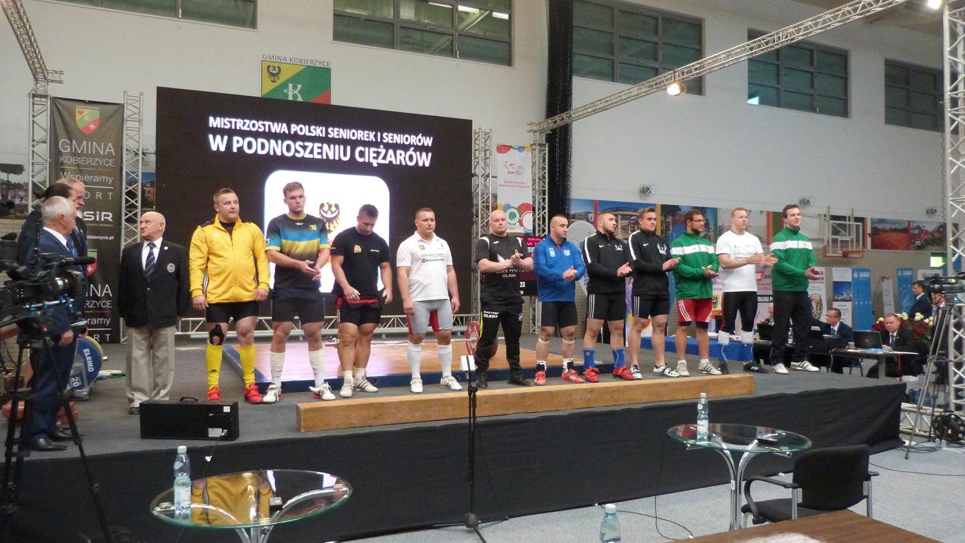 22 medale zdobyli zawodnicy znaszych klubów na MP wpodnoszeniu ciężarów kobiet imężczyzn