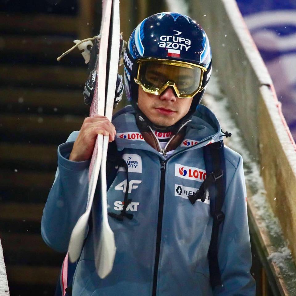 Wystartował Puchar Świata wskokach narciarskich — dobre zawody Piotra Żyły iJakuba Wolnego