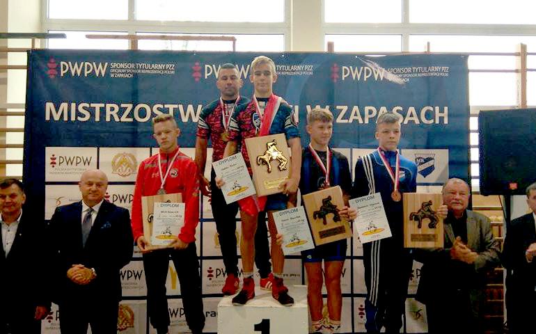 22 medale naszych zawodników wMistrzostwach Polski Młodzików wZapasach — styl klasyczny
