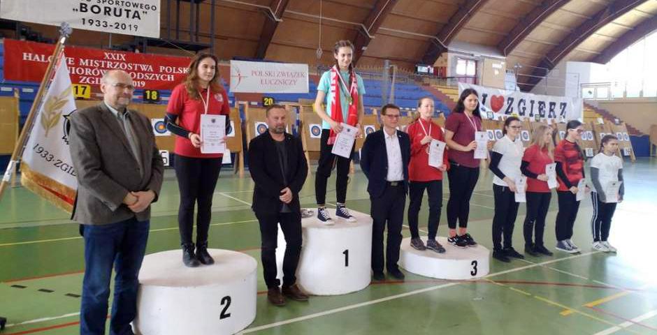 15 medali zdobyli zawodnicy znaszych klubów na Halowych Mistrzostwach Polski Juniorów Młodszych włucznictwie klasycznym ibloczkowym