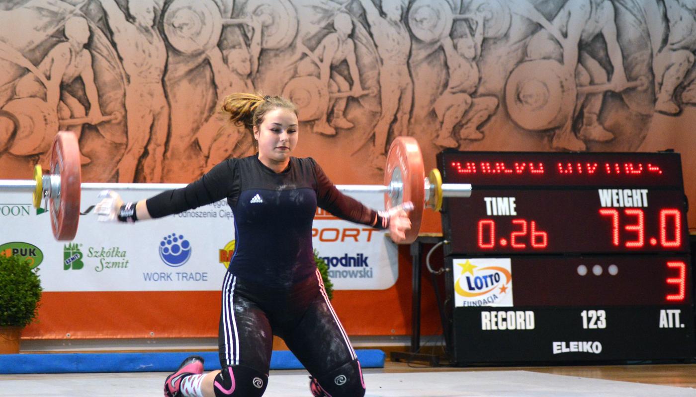 33 medale zdobyli nasi zawodnicy na MistrzostwachPolski wPodnoszeniuCiężarów seniorów iseniorek