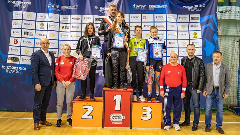 27 medali zdobyły naszemłodziczki naMistrzostwachPolski wZapasach