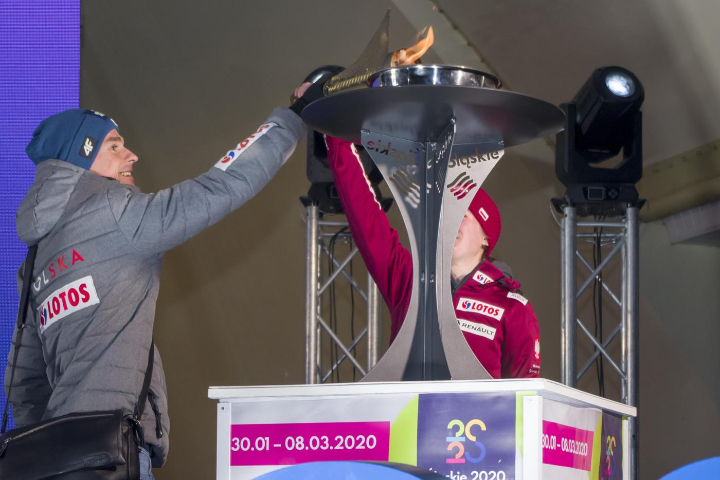 Uroczyste otwarcie OOMŚląsk2020. 62medale zawodników zklubów Zrzeszenia wbiathlonie, skokach narciarskich, biegach, kombinacji norweskiej iłyżwiarstwie figurowym
