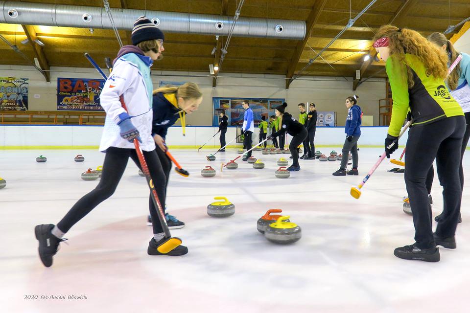 OOM Śląsk 2020 — 4medale wcurlingu i7 wsaneczkarstwie dla klubów naszego Zrzeszenia